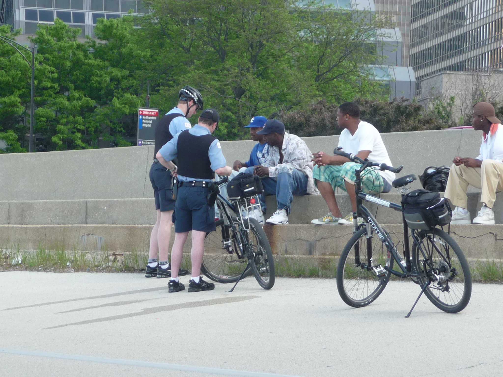 Chicago Cops to Patrol Most Violent Areas on Bikes