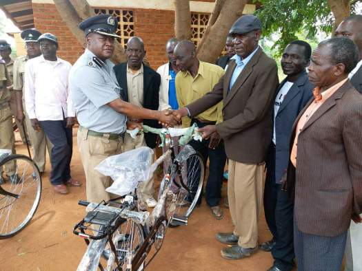 Community policing structures equipped with bicycles