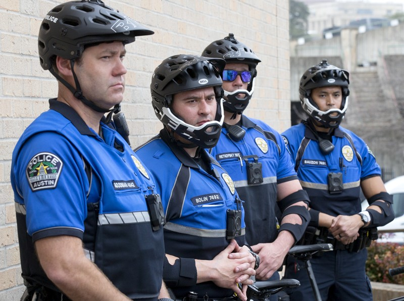 Energy company pays to equip Austin police with new bike safety gear