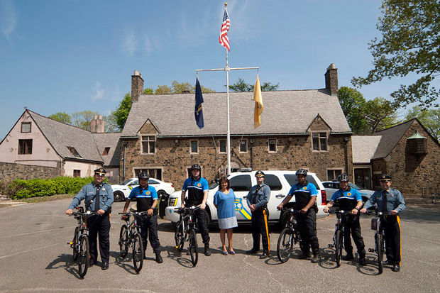 Palisades Interstate Parkway Police reach out to cyclists with new bike unit