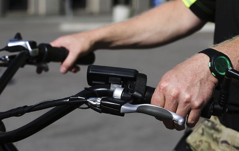 Michigan couple donates electric bikes to Fairbanks Police Department