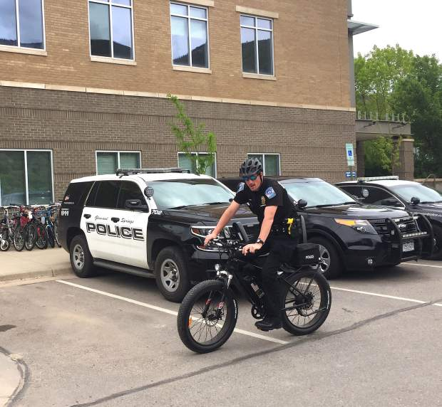 Glenwood cops to bike during bridge closure