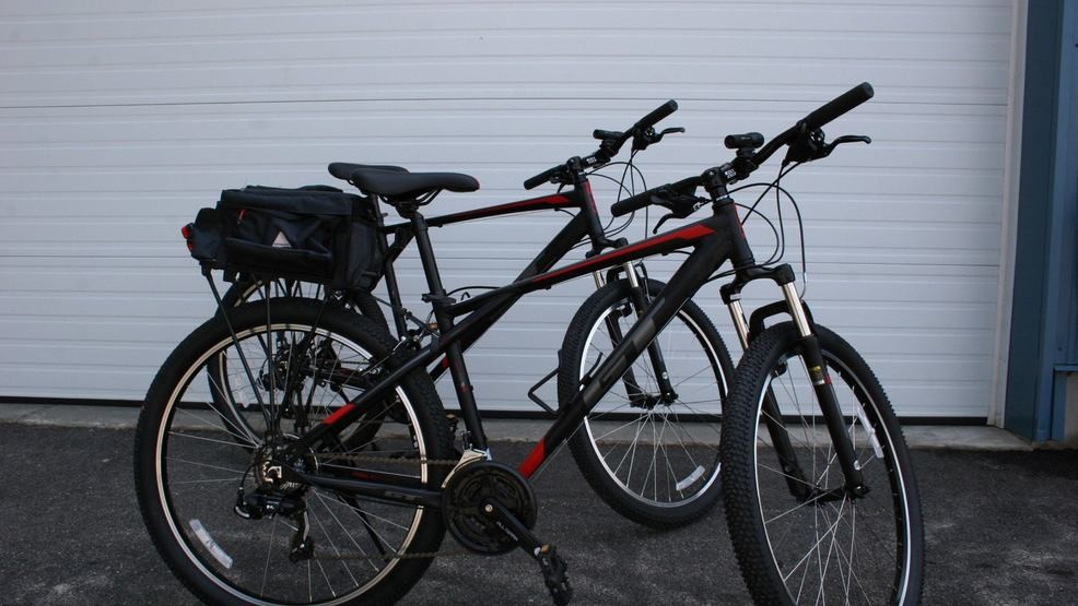 Old Orchard Beach man donates bikes to police, international students