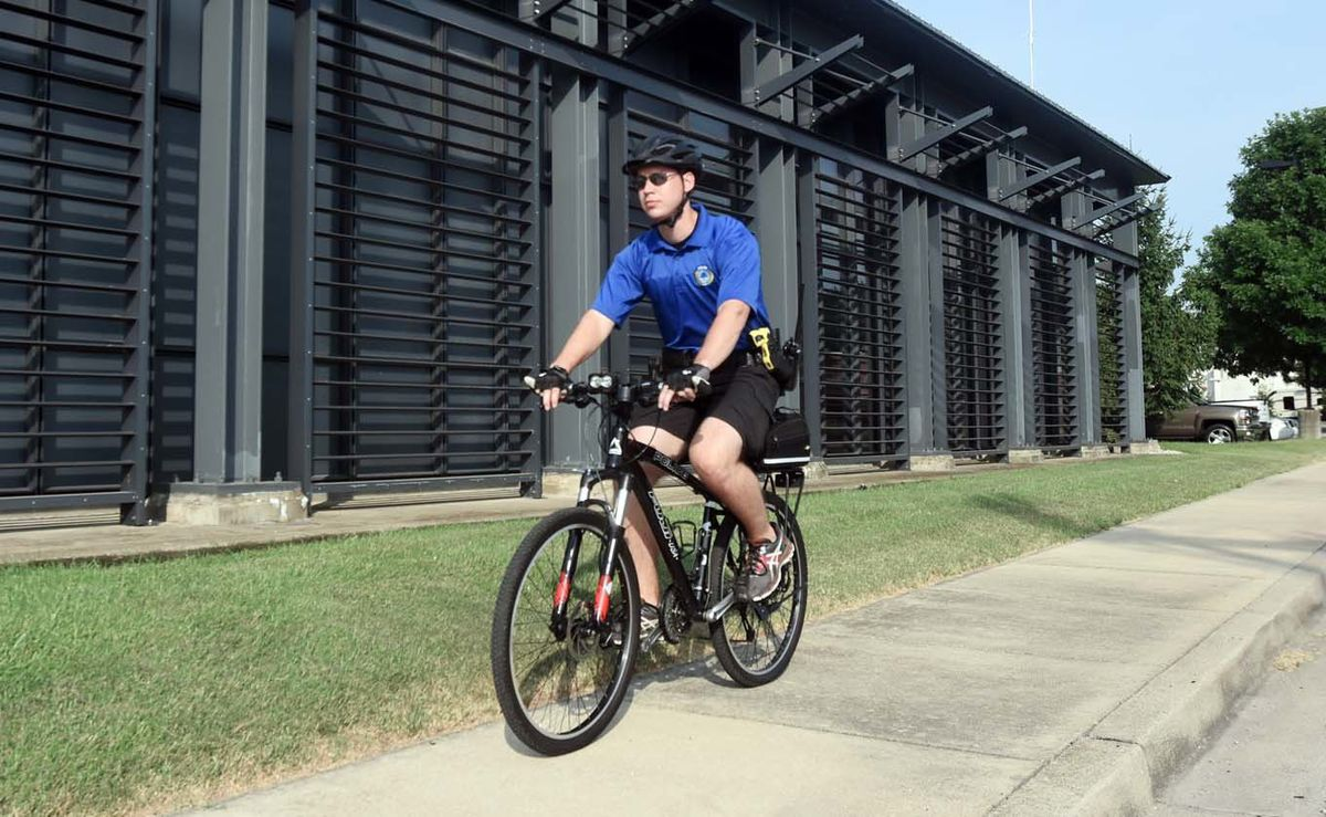 Elizabethtown Police Department expands bike patrol