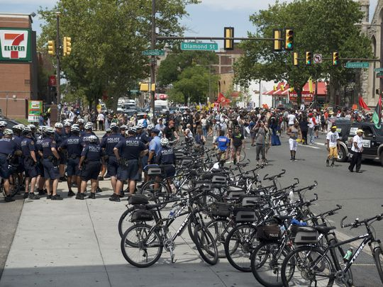 Police avoid mass arrests in Philly protests