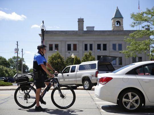 Neenah police pedal toward better relations