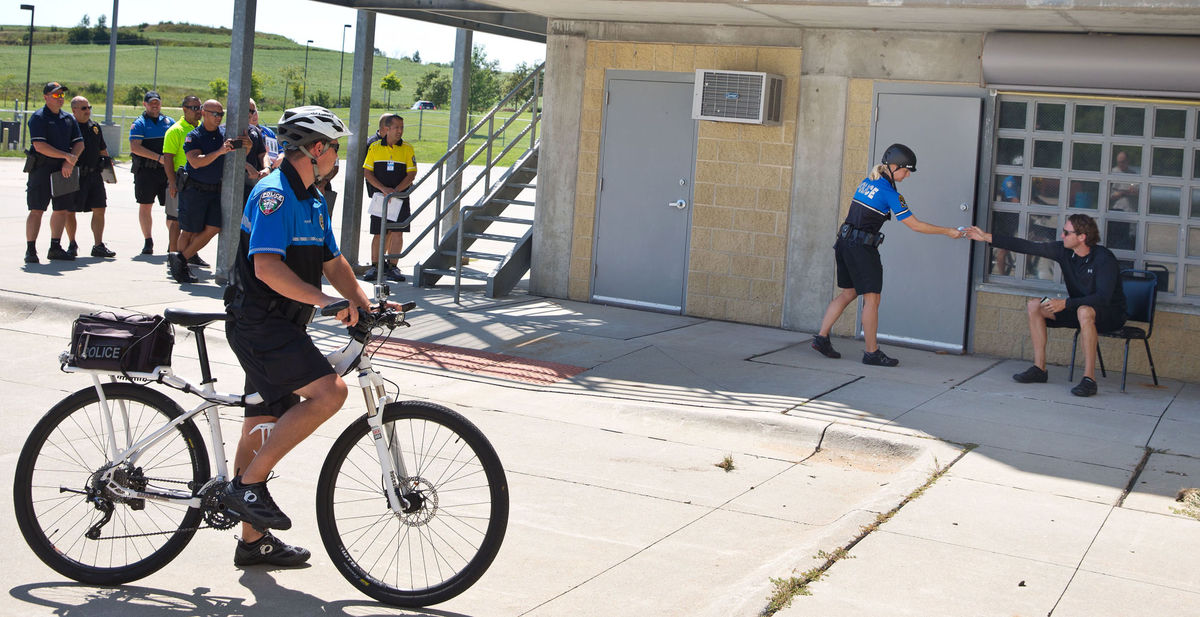 At training seminar for bike patrol officers, police find their footing on two wheels