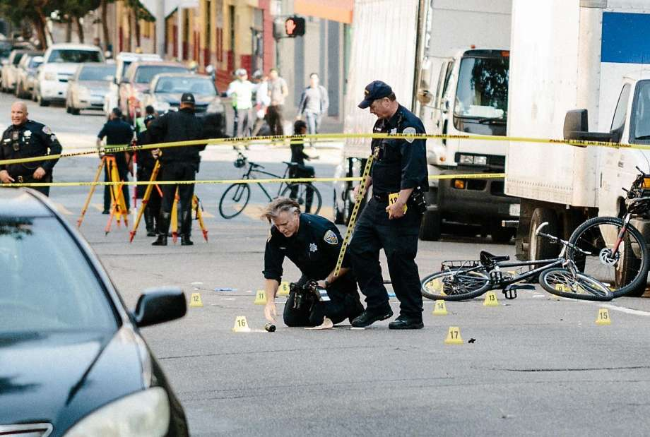 Suspect arrested after SFPD officer on bike is hit, critically injured