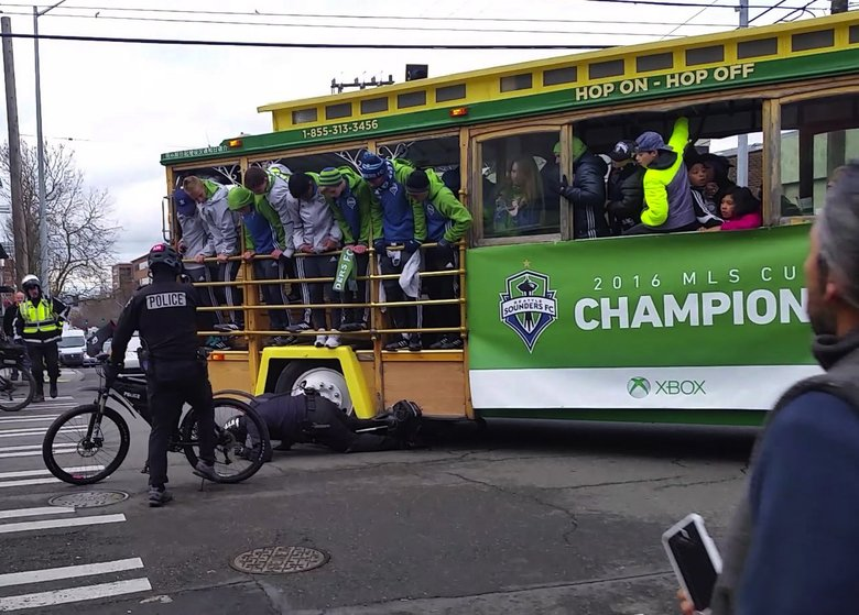 Bicycle officer injured in collision with trolley near Sounders rally at Seattle Center